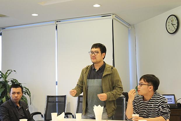 Anh Tiến chia sẻ về quá trình làm việc tại Nhật Bản. Ảnh : Thu Quế.