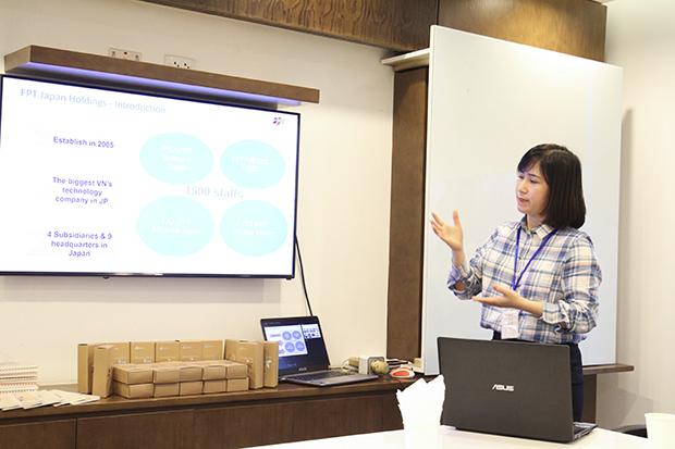 Chị Oanh chia sẻ về cơ hội làm việc tại Nhật Bản. Ảnh: Thu Quế.