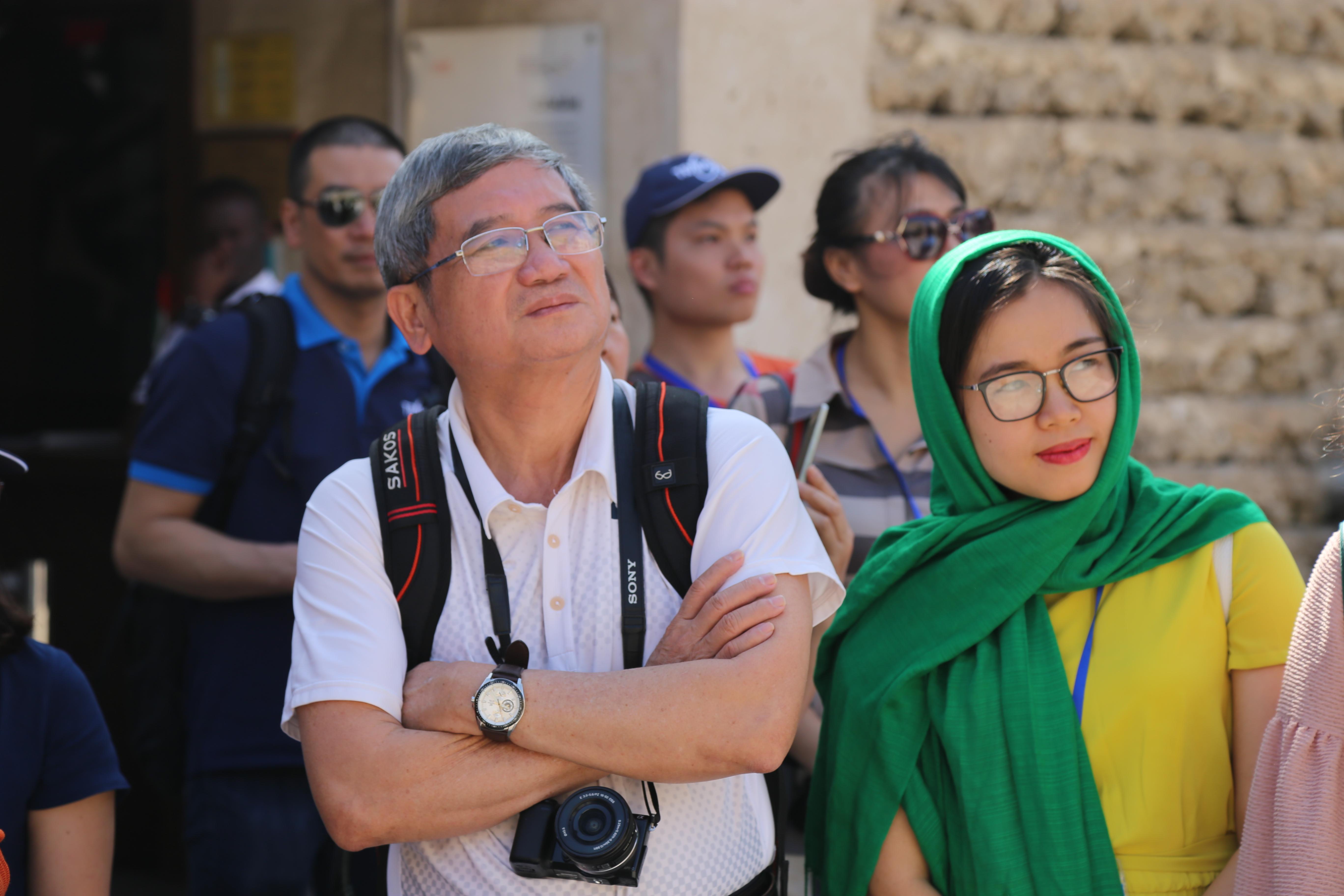Có mặt tại Dubai, Phó Chủ tịch HĐQT Tập đoàn - anh Bùi Quang Ngọc cùng các thành viên trong đoàn đã có những trải nghiệm thú vị ở thành phố tráng lệ này.