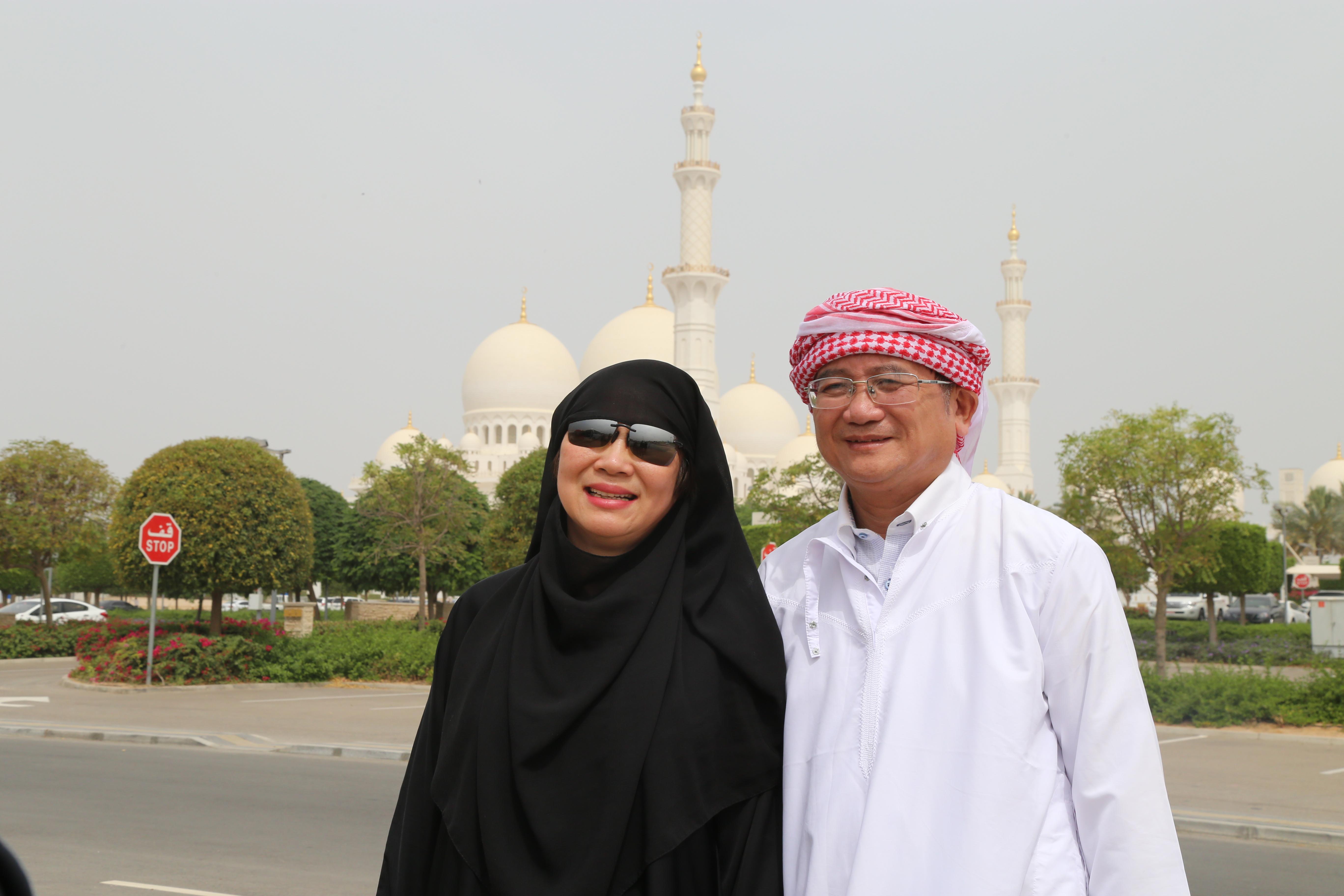 Vị phu nhân đáng mến của anh Ngọc cũng có mặt trong chuyến Dubai lần này.