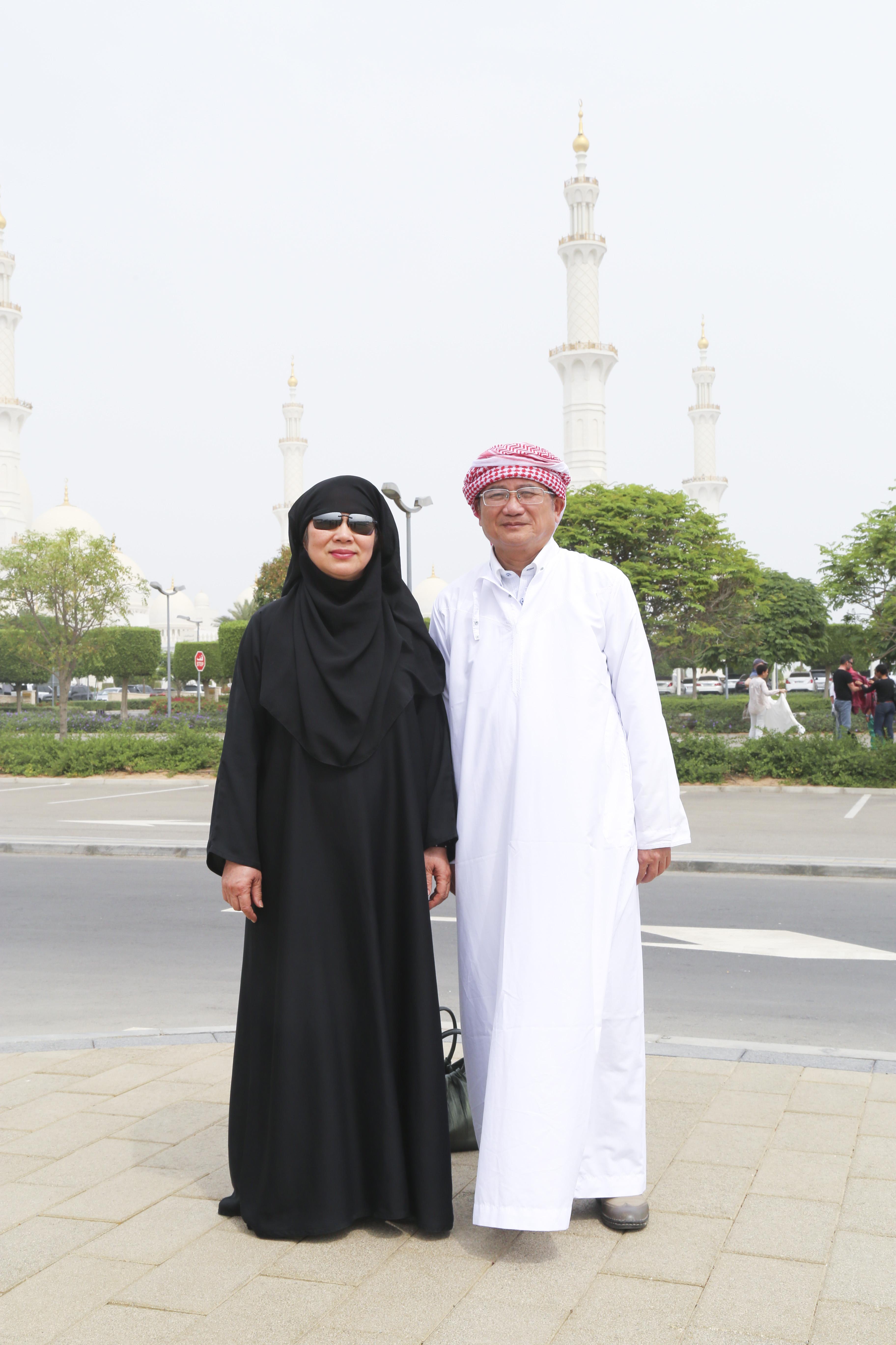 Lịch trình trong ngày thứ 3, đoàn FPT sẽ cùng tới thăm Khu Đảo cọ, Khách sạn Buri Al Arab và khu Triển lãm thảm.