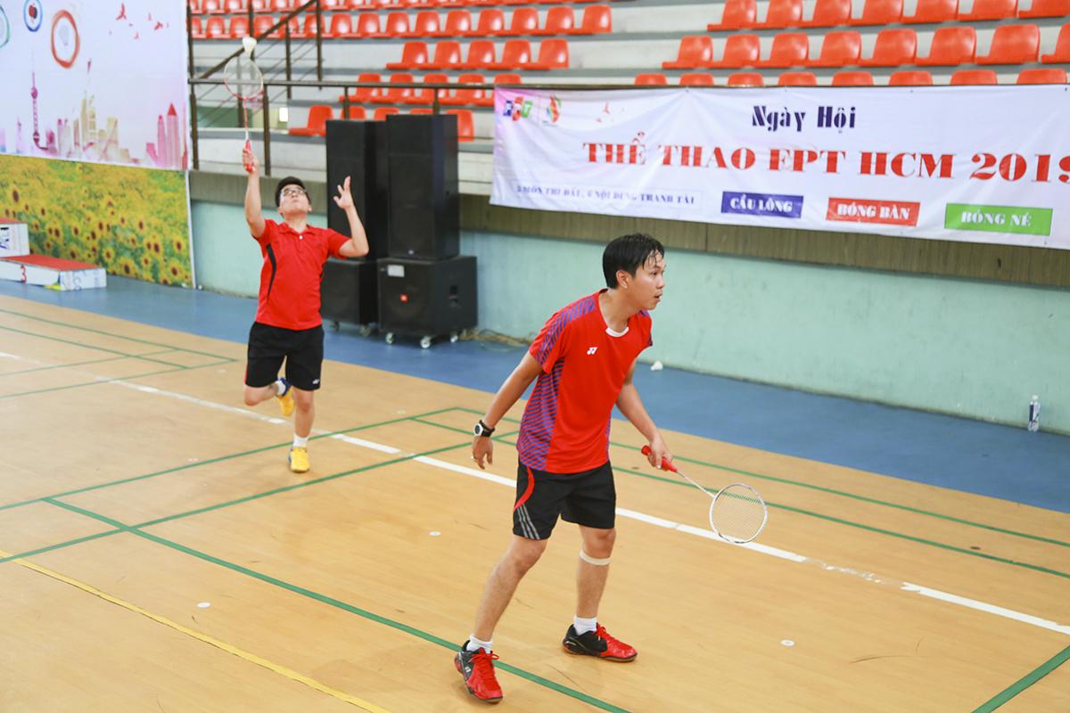 Nhiều VĐV tham dự 2 nội dung trong cùng bộ môn cầu lông. Anh Mai Đức Thanh (Synnex FPT) vẫn giành HCB đơn nam dù phải đấu xen kẽ những trận đấu đôi nam.