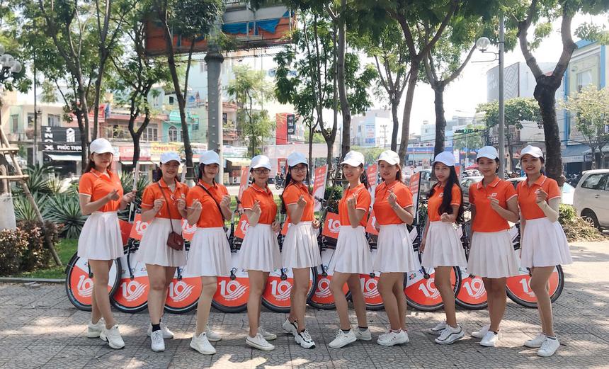 Sáng 10/4, FPT Telecom Đà Nẵng tổ chức chương trình roadshow trên khắp các tuyến đường nhằm chào mừng sinh nhật lần thứ 10 (10/4/2009-10/4/2019).