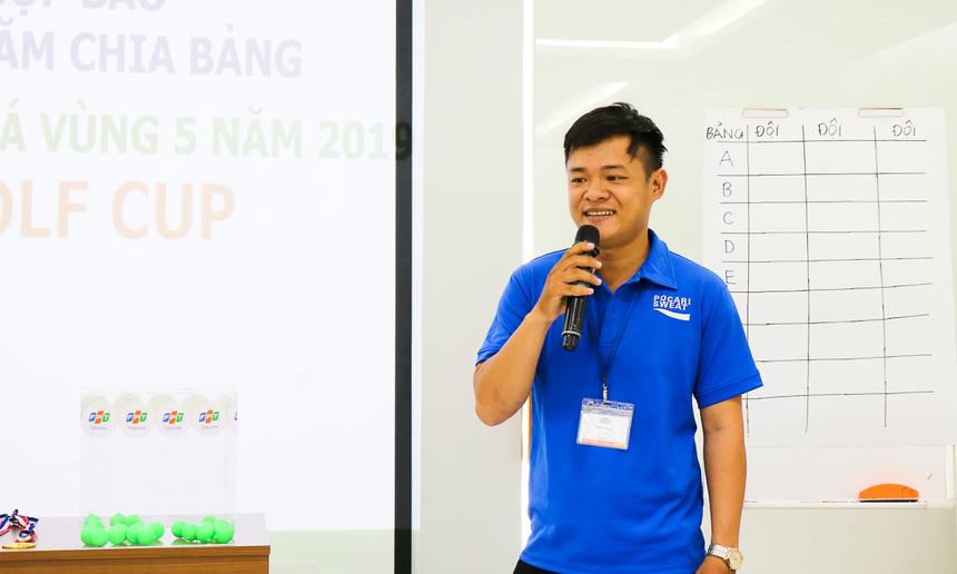 Anh Huỳnh Xuân Cương, đại diện nhà tài trợ nước uống Pocari Sweat - thức uống bổ sung ion đến từ Nhật Bản, bày tỏ sự vinh dự khi đồng hành cùng giải đấu và mong sẽ tiếp tục có mặt trong các hoạt động của FPT trong thời gian tới.