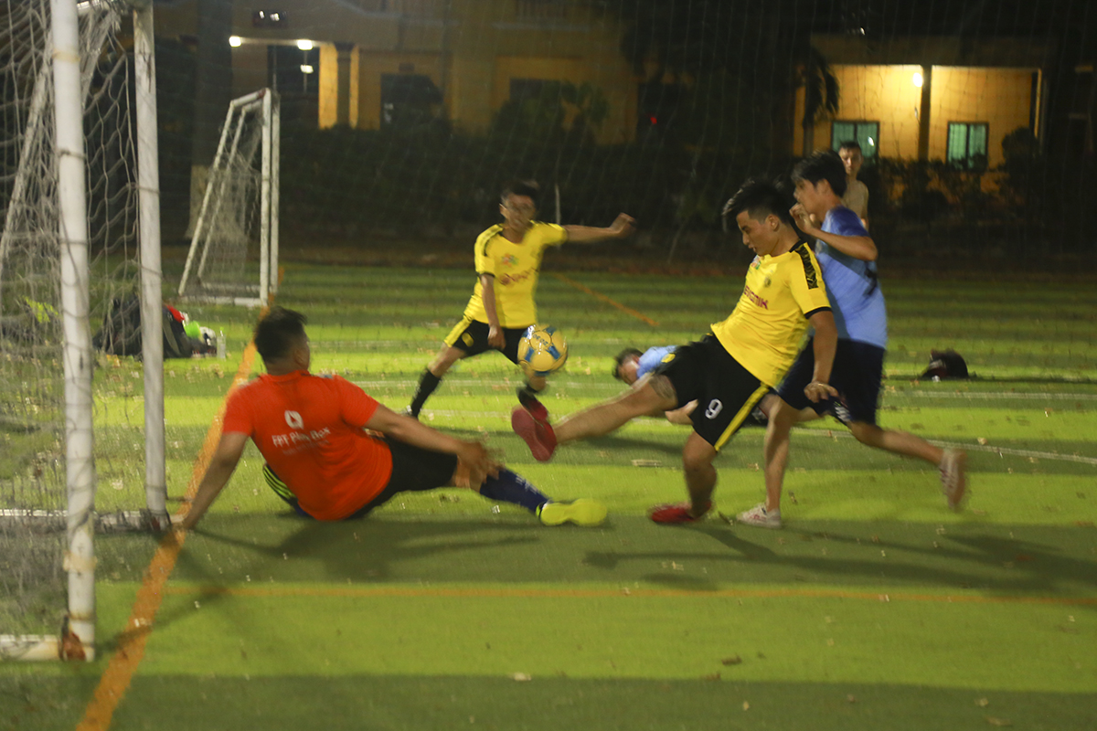 Trong khi cầu thủ Hồ Phước Anh Hùng lập cú đúp cho Liên quân SG 6+14 thì chân sút số 6 Trần Văn Hoan bên phía SG12 cũng có cho mình 2 pha lập công để khép lại trận đấu với tỷ số 2-2.