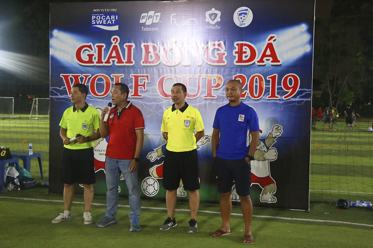 Đại diện BTC, anh Phạm Thanh Tuấn, Giám đốc Vùng 5 đã dành những lời chúc cho các đội tham dự Wolf Cup. Anh cũng cho biết, với tinh thần yêu thể thao, Sói Vùng 5 là đơn vị đi đầu ở khu vực phía Nam trong việc tổ chức giải đấu riêng sau khi Liên đoàn bóng đá nhà Viễn thông được thành lập.