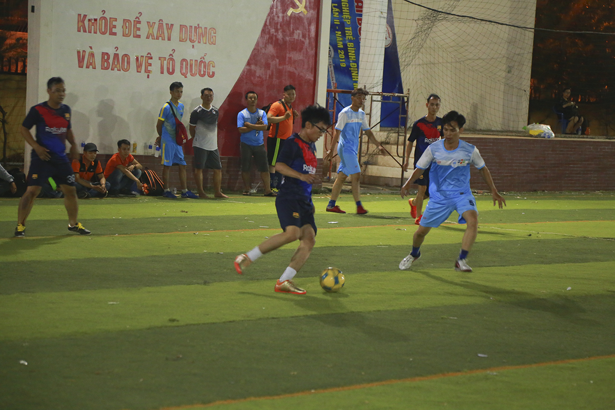 Tuy nhiên kết quả chung cuộc sau 40 phút thi đấu,Liên quân SG2+FPT Play Box đã giành chiến thắng với tỷ số nghẹt thở 4-3 để tạm thời vươn lên dẫn đầu bảng đấu của mình với 3 điểm đầu tiên.