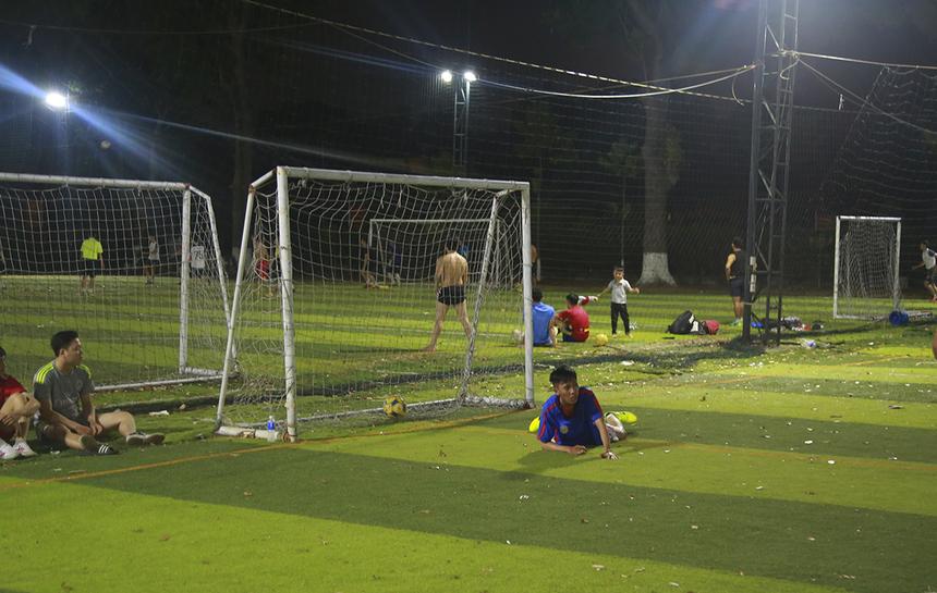 Ở trận đấu cuối cùng lượt trận đầu tiên, SG8 đã thất thủ 1-5 trước các cầu thủ SG11.