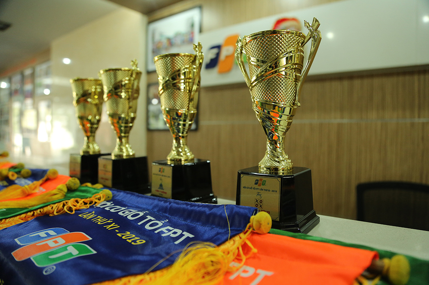 Hội cờ do Ban Văn hóa - Đoàn thể FPT tại miền Trung phối hợp với các đơn vị tổ chức. Với chủ đề FPT Chess Open, sân chơi dành cho cán bộ, nhân viên cũng như học sinh, sinh viên nhà F tham gia.