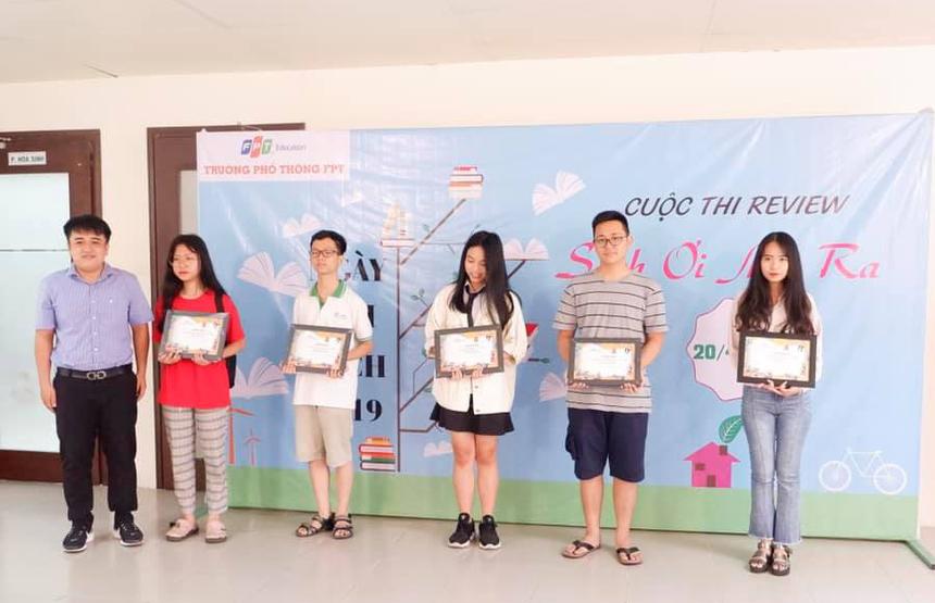 FPT School cơ sở Đà Nẵng còn trao thưởng cho các cuộc thi bên lề nhằm khuyến khích học sinh đọc sách cũng như tham gia nhiều hơn vào các sân chơi kiến thức.