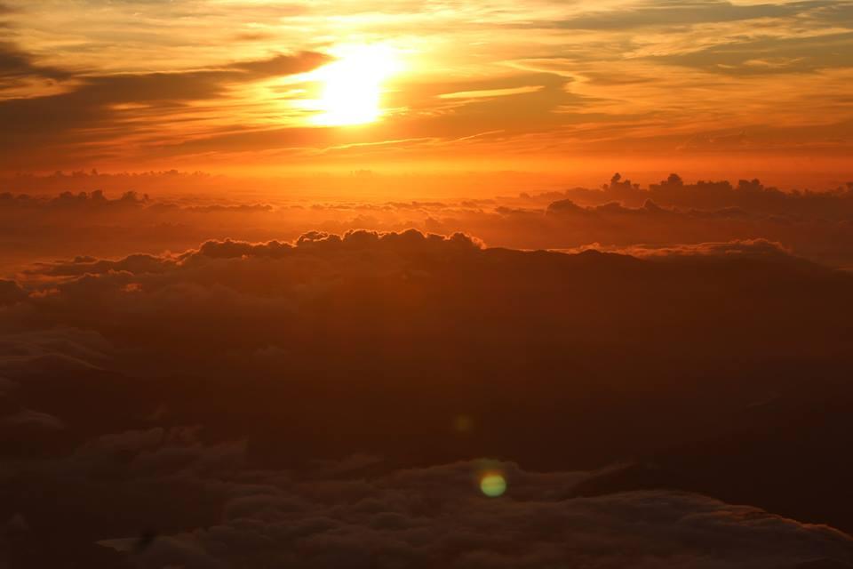 Nếu Việt Nam đỉnh Fansipan được coi là nóc nhà của Đông Dương thì ở Nhật núi Phú sĩ được coi là biểu tượng của xứ phù tang.