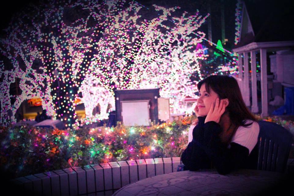 Lễ hội ánh sáng (Winter Illuminations) là sự kiện nổi bật nhất được diễn ra trên khắp nước Nhật vào mùa đông, thông thường là vào khoảng thời gian từ tháng 11 đến hết tháng 12. Những lễ hội này thu hút rất nhiều người bởi độ rực rỡ và hoành tráng của các show trình diễn ánh sáng.