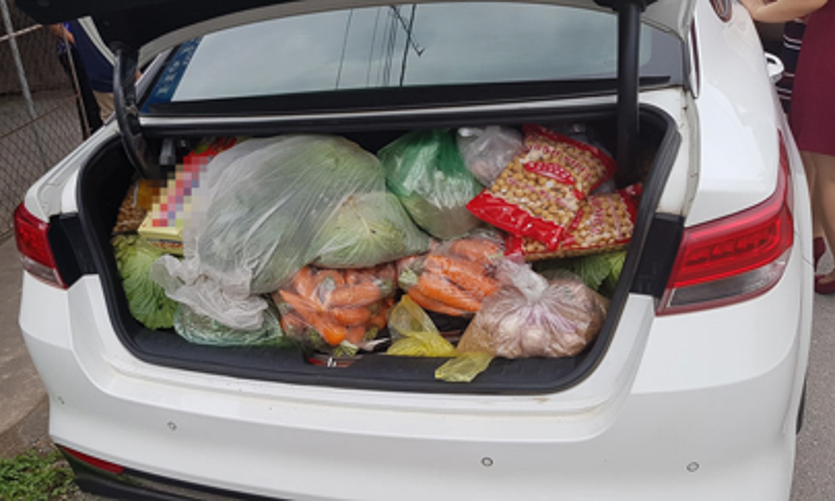 Về quê lên là khỏi phải đi siêu thị cả tháng.