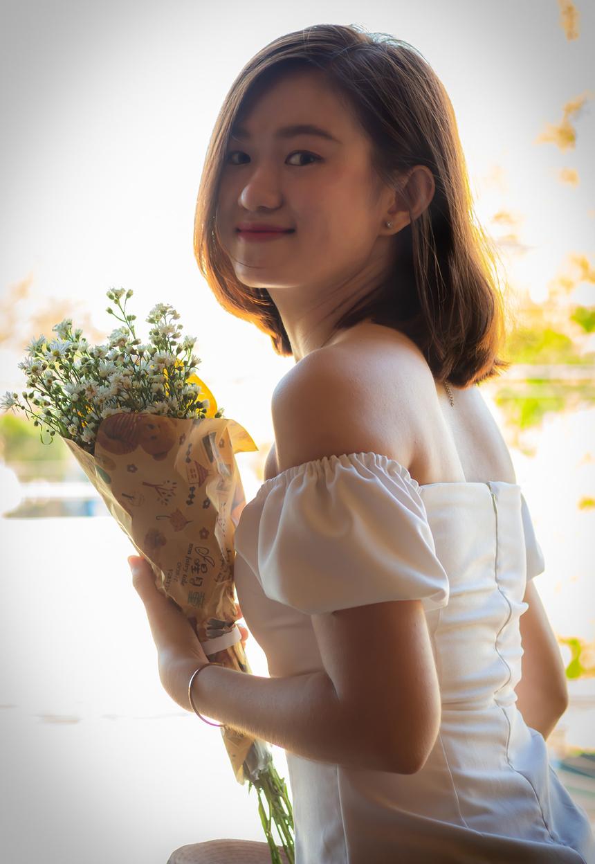Người đẹp đất võ gia nhập FPT Telecom Bình Định vào tháng 9/2017. Gần hai năm làm việc, nữ nhân viên cảm nhận được môi trường làm việc năng động và văn hóa đặc sắc tại FPT.