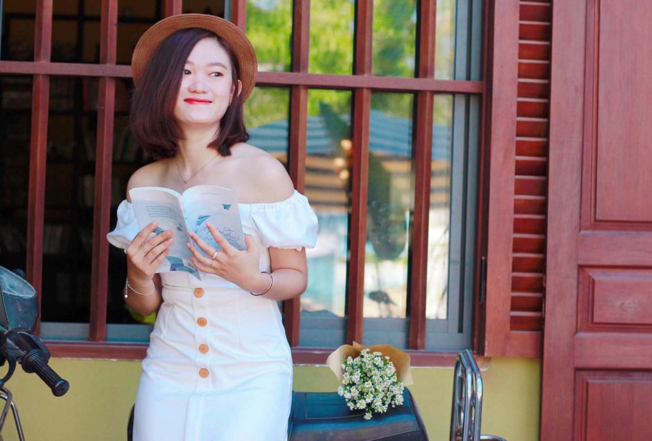 Bảo Lộc thừa nhận công việc chăm sóc khách hàng đôi khi gặp áp lực. Nhưng với niềm đam mê và tình yêu dành cho FPT Telecom, bản thân từng bước học hỏi và nỗ lực để hoàn thành tốt nhiệm vụ.