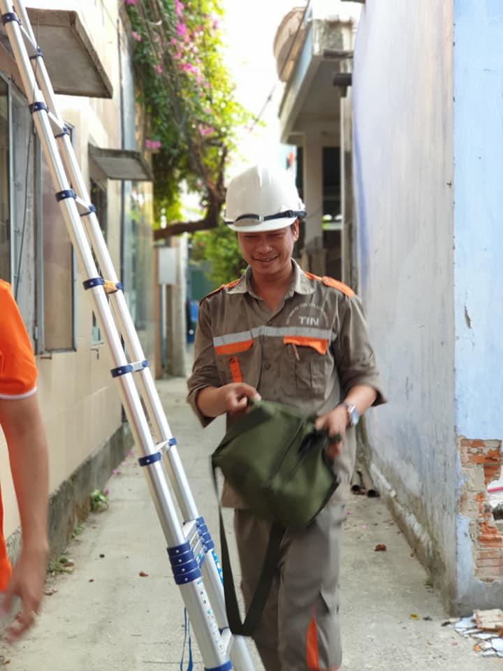 Đối với anh Nguyễn Văn Tầm, đơn vị TIN, những chai nước góp phần làm mát lòng ngày nóng, tạo động lực để tiếp tục phục vụ khách hàng một cách tốt nhất.