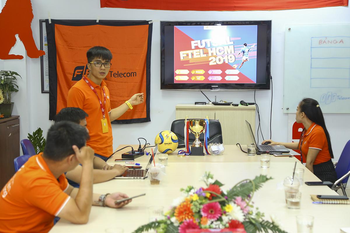 Anh Phan Phước Nhựt - Trưởng phòng Văn hóa - Đoàn thể FPT Telecom(FUN), Trưởng Ban tổ chức giới thiệu các đề xuất về số đội tham dự trước khi bốc thăm chia bảng. Sau quá trình thảo luận, cuộc họp quyết định mùa giải năm nay có sự tham gia của 8 đội bóng bao gồm: Truyền hình FPT (PayTV), Viễn thông Quốc tế (FTI), Liên quân TT Quản lý cước (CUS) và TT Chăm sóc khách hàng (CS), Phương Nam (PNC), TT Phát triển hạ tầng miền Nam (INF), Liên quân HO Tân Thuận và 2 tuyển đến từ Vùng 5 (SGX1, SGX2).