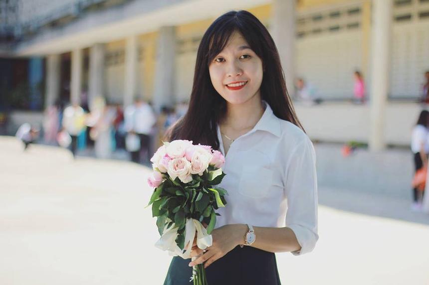 Nguyễn Thị Như Quỳnh gia nhập FPT Telecom Huế vào tháng 5/2018 với vị trí nhân viên kinh doanh. Cô nàng 9x được đồng nghiệp đánh giá năng động, nhiệt tình và hòa đồng.
