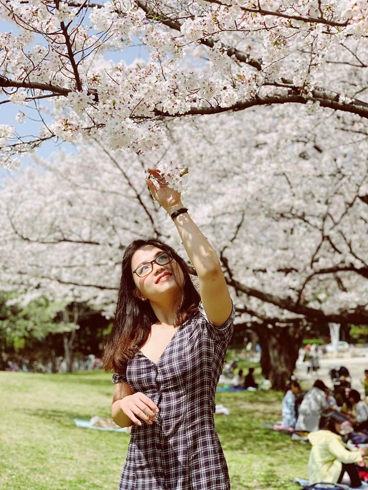 """Thùy Anhđang từng ngày trau dồi thêm kinh nghiệm, kỹ năng chuyên môn để phát triển bản thân. """"Điều tôi thích nhất ở FPT Japan là môi trường làm việc chuyên nghiệp theo phong cách Nhật, nhưng vẫn gần gũi thân tình"""", cô gái 9x nói."""