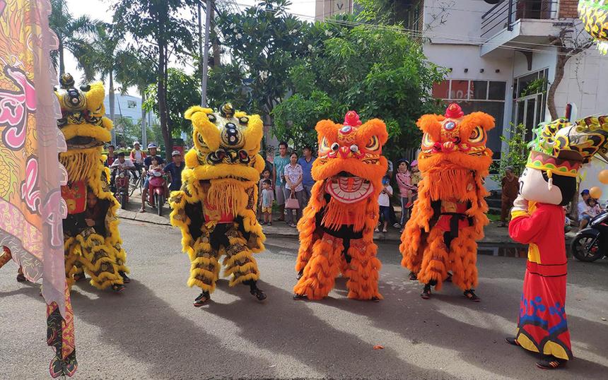 Nằm trong chuỗi hoạt động kỷ niệm 10 năm thành lập, chi nhánh còn khai trương văn phòng giao dịch Ninh Hòa. Đây là khu vực thị xã sầm uất, cách TP Nha Trang hơn 30km.