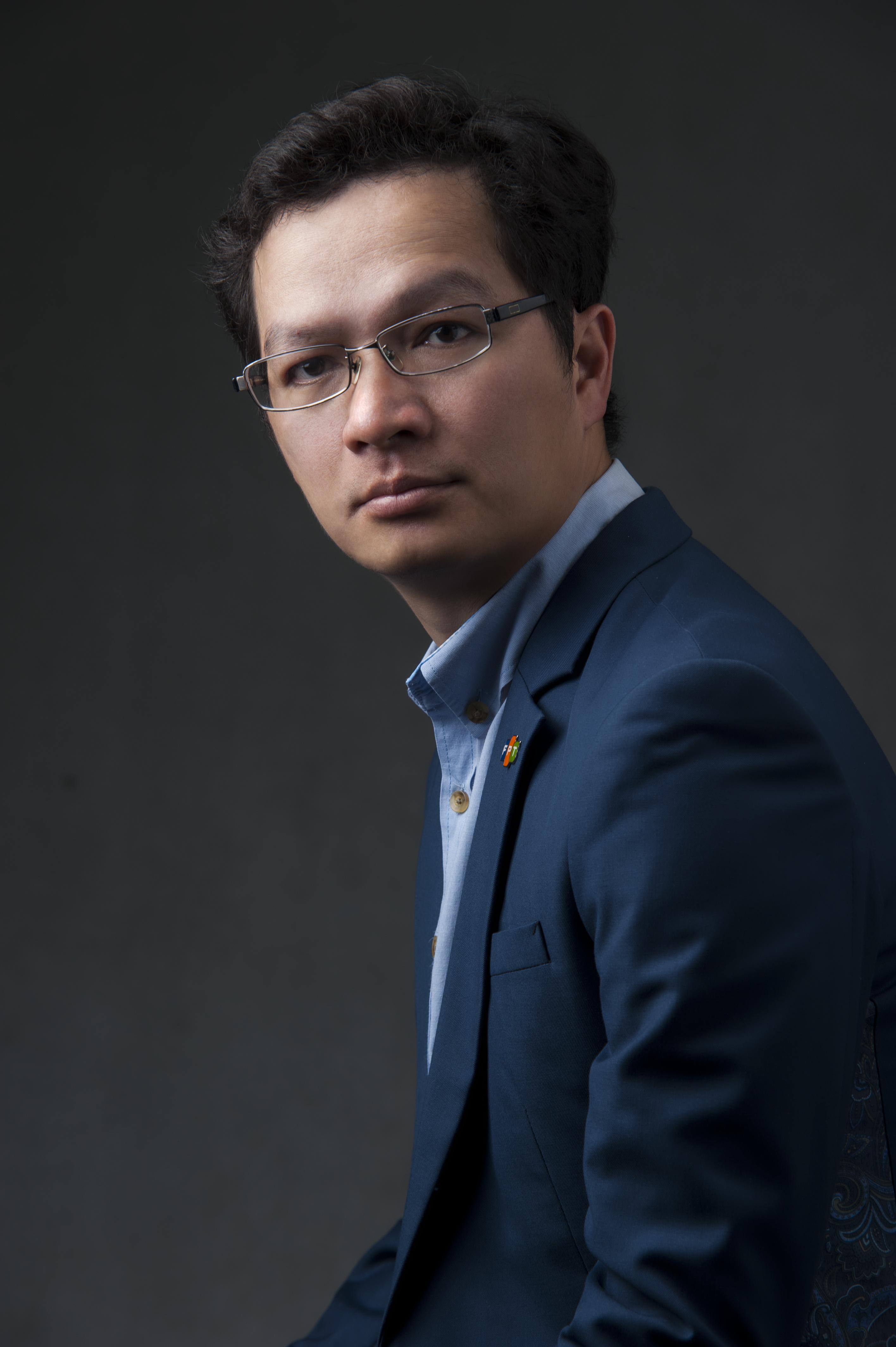 Đại sứ FPT Software - Trần Đăng Hòa Hết năm 2018, anh Trần Đăng Hòa thôi đảm nhận vị trí Giám đốc FPT Japan để nhận trọng trách Giám đốc Điều hành hoạt động FPT Software. Sau 3 năm chèo lái, anh Hòa cùng FPT Japan liên tiếp gặt hái những thành tích tốt. Đây là kết quả không dễ dàng khi làm việc một thị trường khó tính, yêu cầu chất lượng cao và ít biến động như Nhật Bản. COO FPT Software là con người của hành động. Anh thích Tổng thống Mỹ Donal Trump.