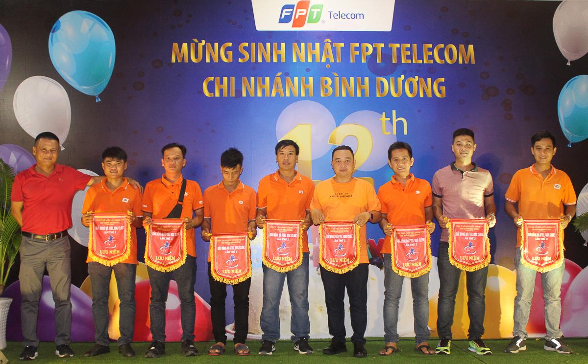 Dịp sinh nhật, đơn vị đã tổ chức giải bóng đá nội bộ từ ngày 7-13/5, với 8 đội bóng tại 3 trung tâm kinh doanh, trong đó 3 đội đến từ Trung tâm 1 - khu vực Thủ Dầu Một, 2 đội từ Trung tâm 2-Dĩ An và 3 đội từ Trung tâm 3 - Thuận An. Các đội nhận cờ lưu niệm từ lãnh đạo.