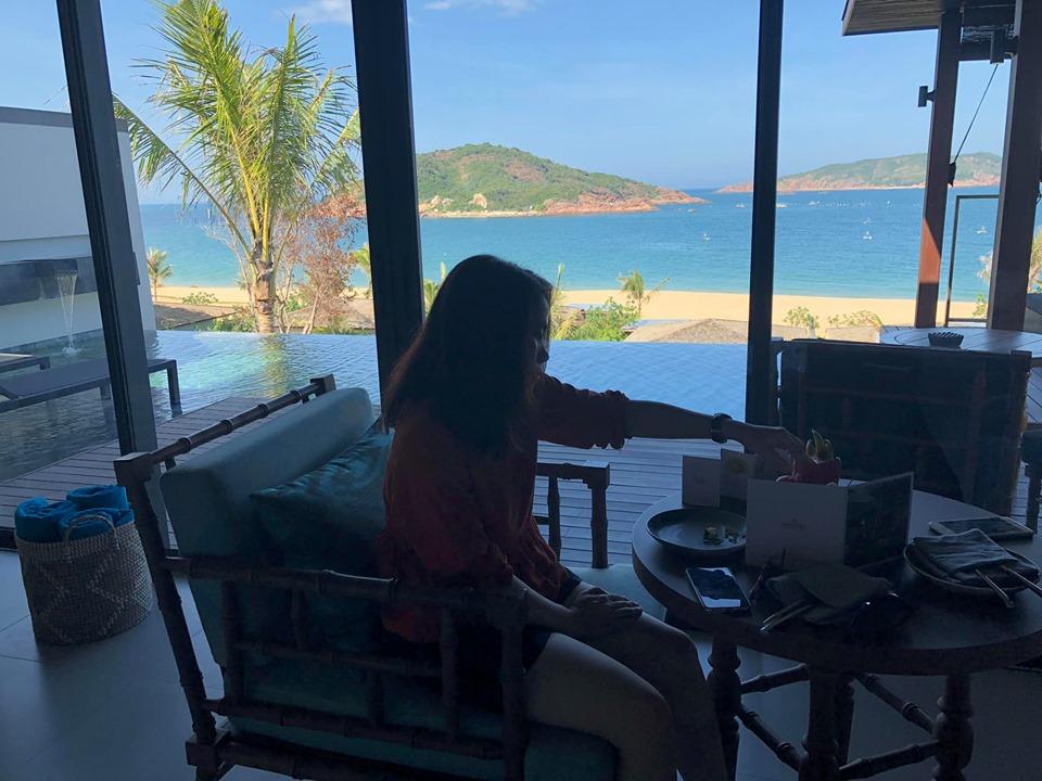 View của căn phòng hướng ra phía biển tạo cảm giác thư giãn, nhẹ nhàng để các cá nhân xuất sắc FPT Software tận hưởng sau những tháng ngày làm việc căng thẳng, mệt mỏi.