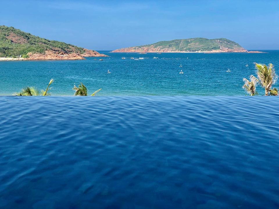 Một màu xanh dương mát lạnh của nước biển cùng màu trời trong xanh là những cảm nhận đầu tiên của người nhà Phần mềm khi đến với Quy Nhơn.