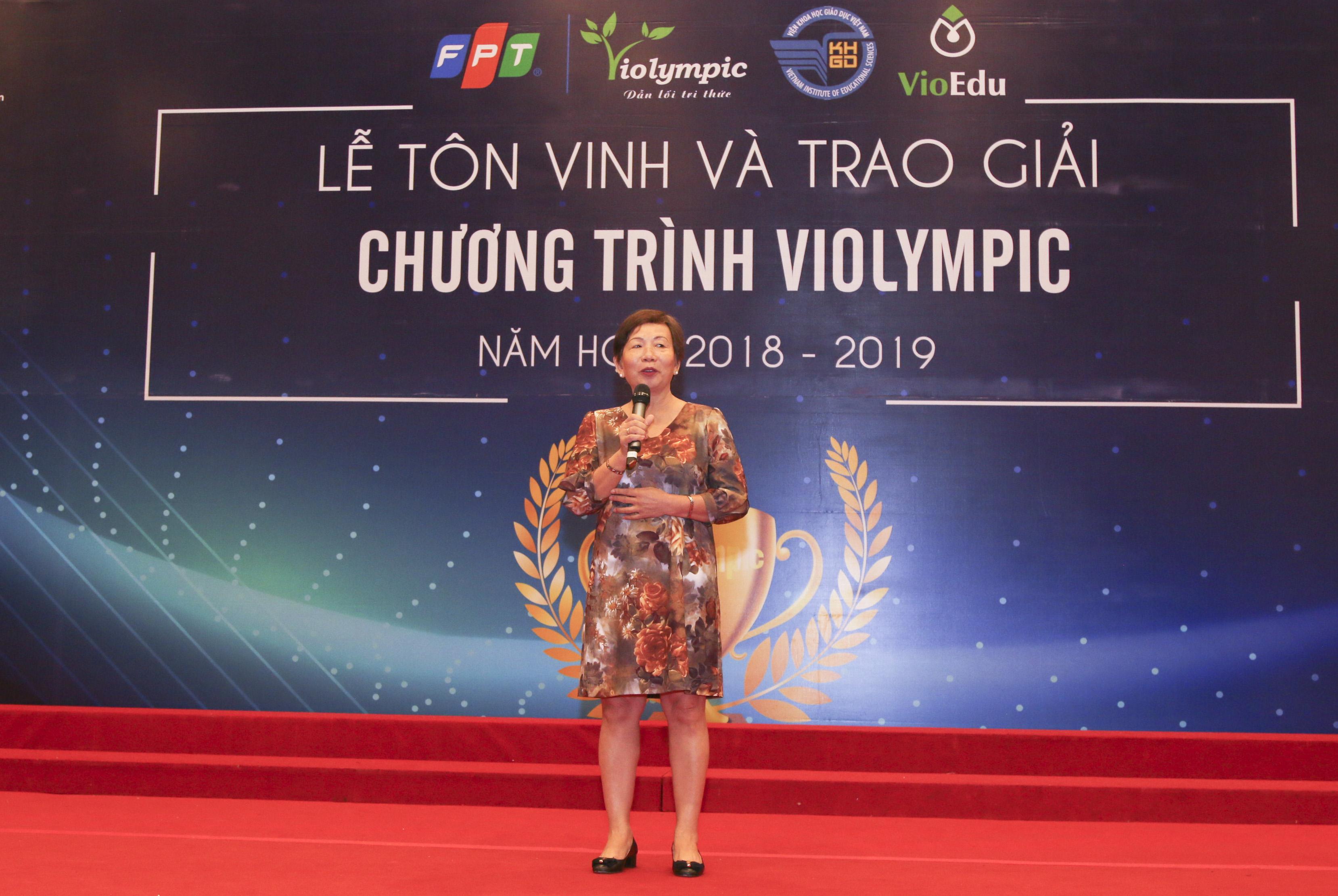 """Phát biểu tại buổi lễ, GĐ Trách nhiệm Xã hội FPT Trương Thanh Thanh cho biết: """"Trong suốt quá trình 31 năm phát triển, với khát vọng góp phần đưa dân tộc Việt Nam hiện diện ra thế giới, chúng tôi đã trở thành tập đoàn công nghệ hiện diện 45 nước và vùng lãnh thổ. Chúng tôi hiểu rằng, tương lai của dân tộc Việt phụ thuộc vào thế hệ trẻ. Bởi vậy FPT đã xây dựng sân chơi Violympic, giúp các em được tiếp xúc với môi trường Internet, với công nghệ, với cách thức học mới, khát khao mới. Trải qua một chặng đường dài, nhờ sự phối hợp chặt chẽ của Bộ GD&ĐT, các sở ban ngành và các trường trên cả nước, cuộc thi đã tạo ra những lợi ích cho việc học tập của các em. Chúng tôi cam kết sẽ tiếp tục đầu tư công nghệ tiên tiến, đưa cuộc thi lên một tầm cao mới."""""""