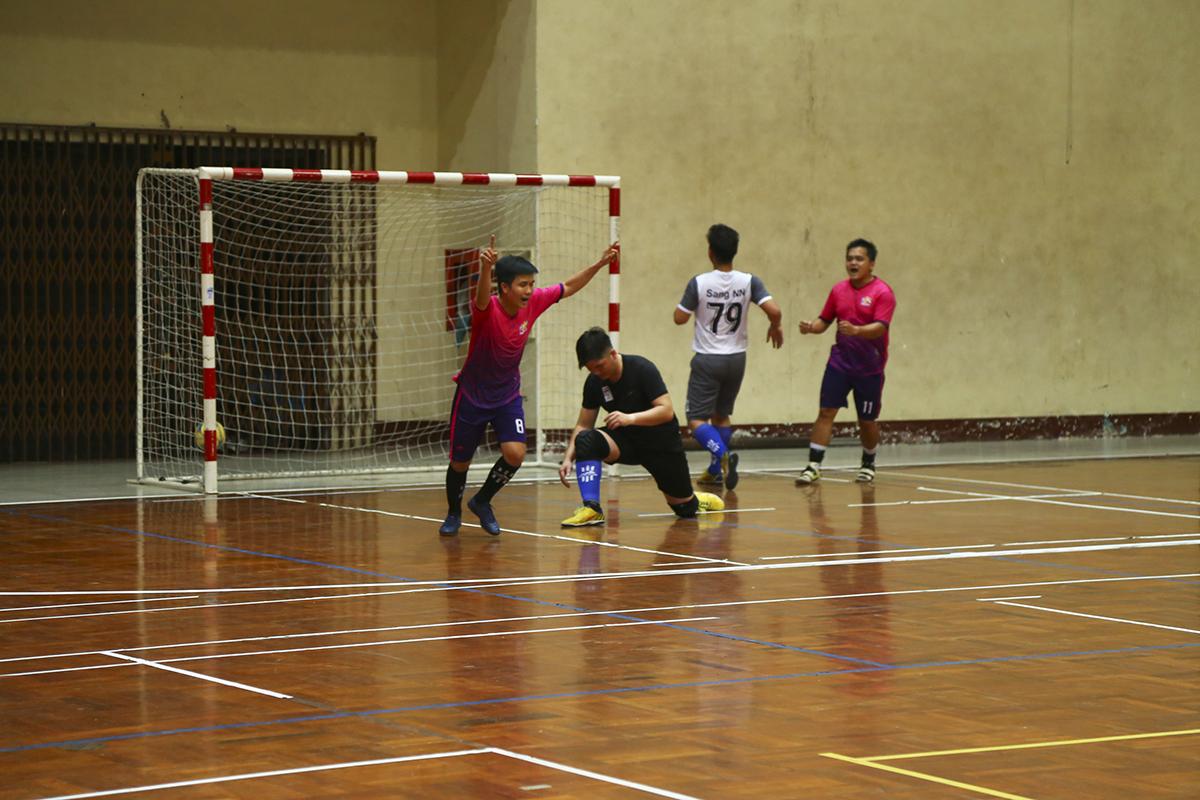 Tưởng chừng trận đấu sẽ khép lại với tỷ số tối thiểu 1-0 thì đúng phút cuối cùng của trận đấu, cầu thủ Nguyễn Thiện Trường bên phía PayTV đã có bàn nhân đôi cách biệt để mang về trận thắng 2-0 cho các cầu thủ áo hồng.