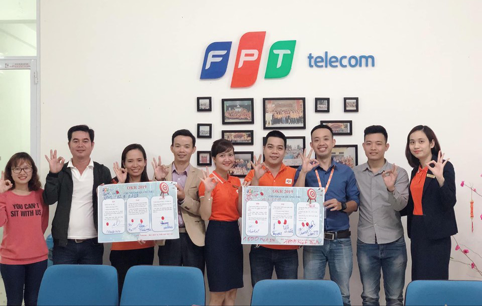 """Trước đó, chi nhánh cũng đã thực hiện cam kết OKR. """"Mục tiêu Leng Keng của chi nhánh là làm sao để có thể phát triển thuê bao vượt được kế hoạch đã đề ra. Vùng phủ sẽ mở rộng ra các huyện trong tỉnh, ngày càng có nhiều người biết tới các dịch vụ của FPT Telecom"""", chị chia sẻ. FPT Telecom Quảng Trị được thành lập vào ngày 7/5/2012. Ban đầu văn phòng chi nhánh đặt tại 159 Quốc lộ 9, TP Đông Hà. Cuối năm 2017, văn phòng chuyển sang địa chỉ mới tại 20 Lê Lợi, TP Đông Hà."""