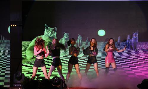 Vũ điệu K-Pop bùng cháy sân khấu ĐH FPT Cần Thơ