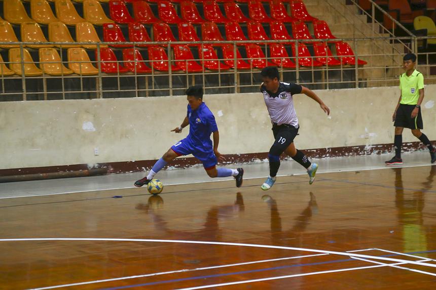 Tối ngày 21/5, hai trận đầu tiên của bảng A đã chính thức lăn bóng với hai cặp đấu PNC gặp Liên quân CUS-CS và INF HO đối đầu tuyển Vùng 5 (FPT Telecom Sài Gòn).