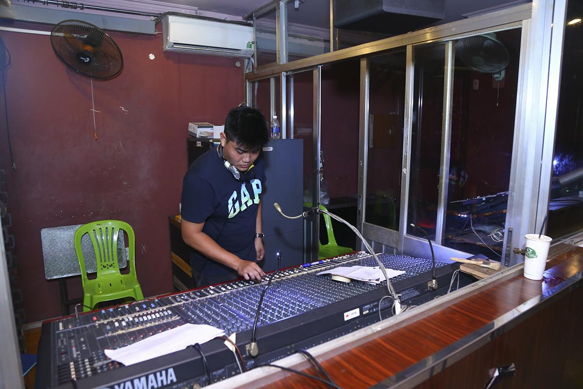 Dàn âm thanh khủng của nhà hát Bến Thành cũng đã sẵn sàng phục vụ các tiết mục biểu diễn của 8 đội thi.