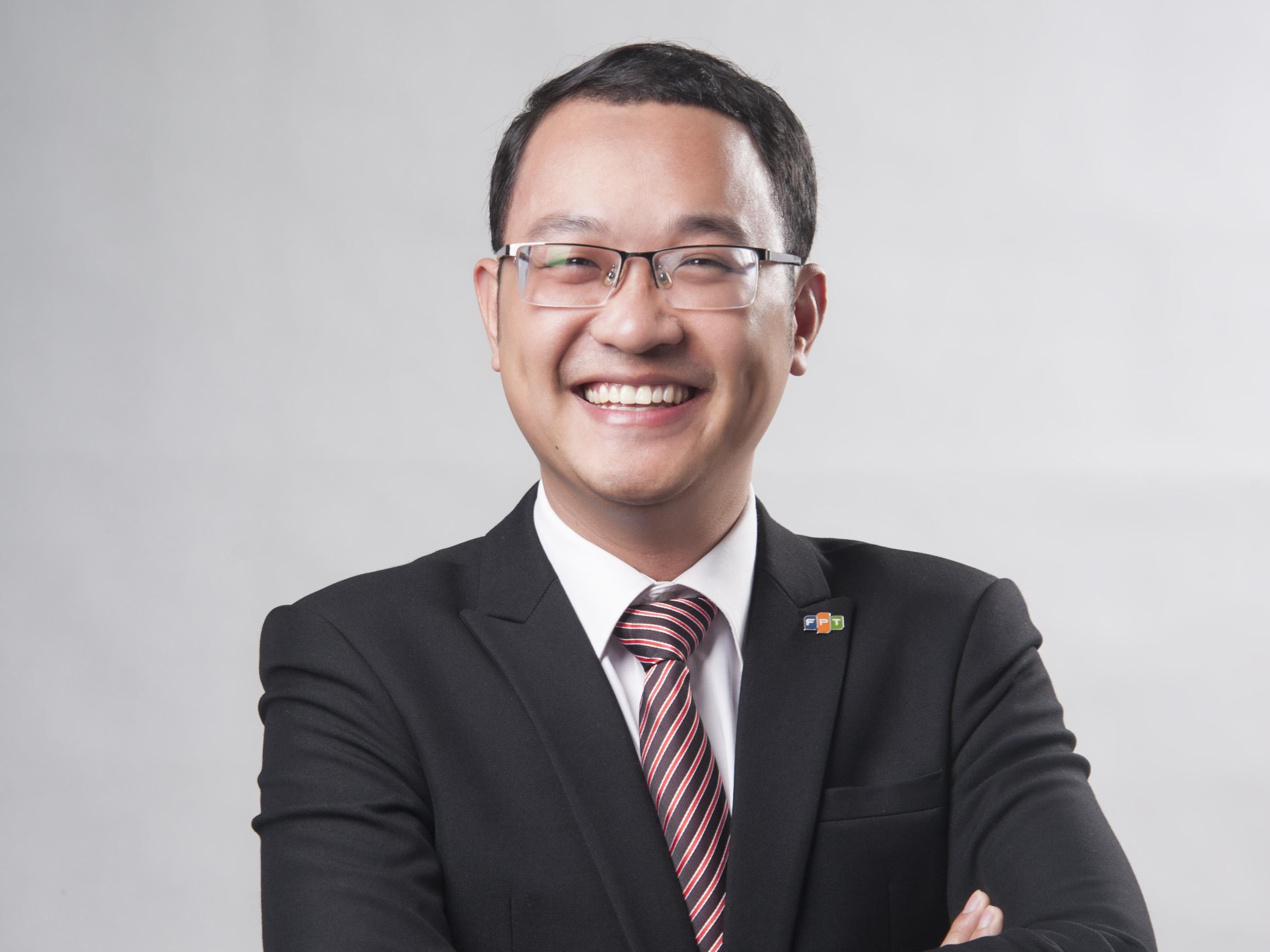 Giám đốc Nhân sự Chu Quang Huy Anh Chu Quang Huy gia nhập FPT năm 2012. Năm 2015, ngoài việc mang về danh hiệu Trạng nguyên đầu tiên cho nhà Bán lẻ, anh Huy còn là Trạng nguyên trẻ tuổi nhất của FPT trong 21 năm tổ chức cuộc thi này. Cùng năm, anh cũng trở thành Hoa hậu FPT nhờ những sáng tạo, đổi mới để đưa FPT Retail với những đặc tính khác biệt của mình vươn lên dẫn đầu. Đồng thời, lọt Top 13 FPT Under 35 năm 2016; Top 100 cá nhân xuất sắc FPT 2013 và 2016. Ngày 1/3/2019, anh Chu Quang Huy được bổ nhiệm vị trí Trưởng ban Nhân sự tập đoàn với nhiệm vụ xây dựng Hệ thống quản trị nguồn nhân lực nhằm đảm bảo doanh nghiệp hoạt động hiệu quả và bền vững, phục vụ cho mục tiêu phát triển của tập đoàn.