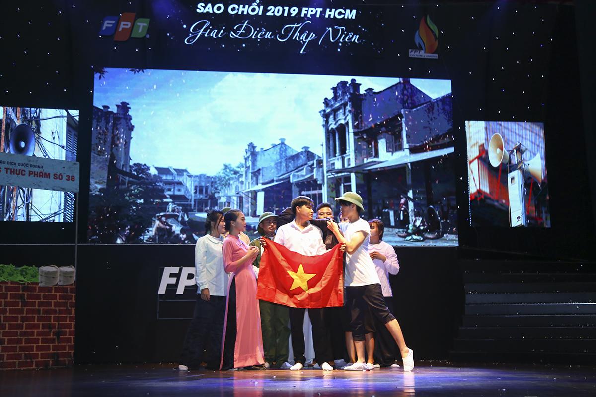 Kể câu chuyện về anh Trương Gia Bình lớn lên trong thời kỳ đất nước nhiều gian khó sau ngày thống nhất, FPT Telecom miêu tả những góc nhìn chân thật nhất về câu chuyện của Việt Nam thập niên 80.