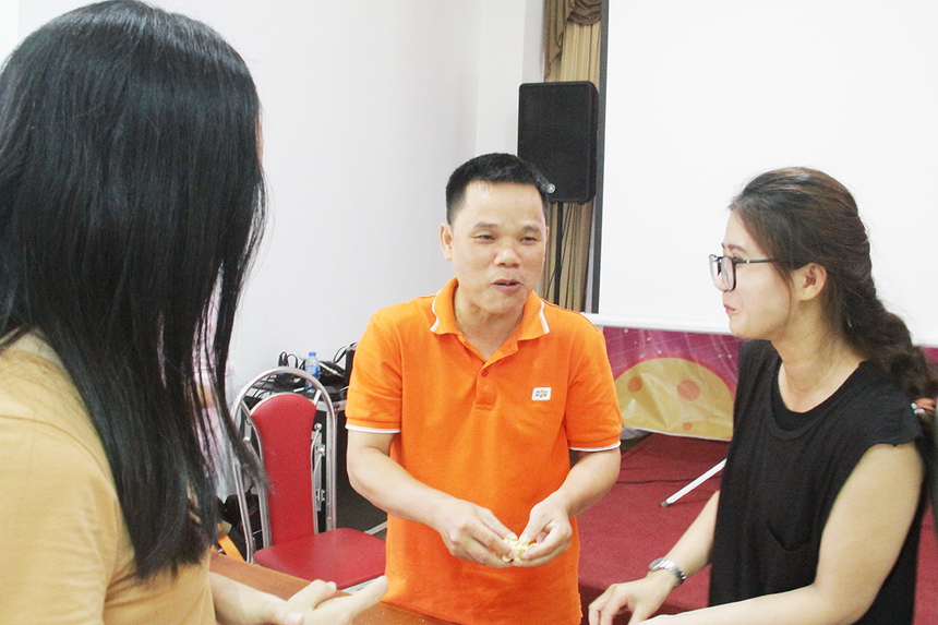Anh Cái Quốc Hòa, Đại học Greenwich (Việt Nam) cơ sở Đà Nẵng, gặp khó khăn khi đảm nhận nhiệm vụ ăn bánh. Với anh, chương trình đã đem lại những giây phút thư giản và vui chơi thoải mái. Người FPT Edu có dịp đồng hành và hiểu biết nhau nhiều hơn.