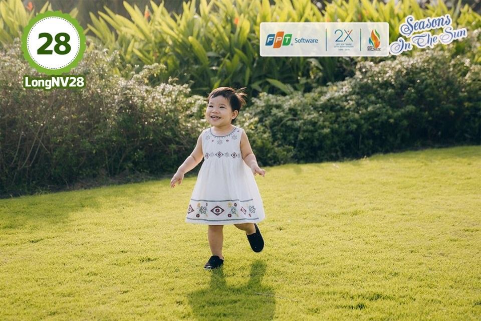 """""""Mỗi đứa trẻ là một thiên thần nhỏ, mang đến niềm vui và hạnh phúc cho mọi người"""", anh Nguyễn Việt Long, DPS.DS2, chia sẻ về bức ảnh của con gái Nguyễn Trần An Nhiên."""