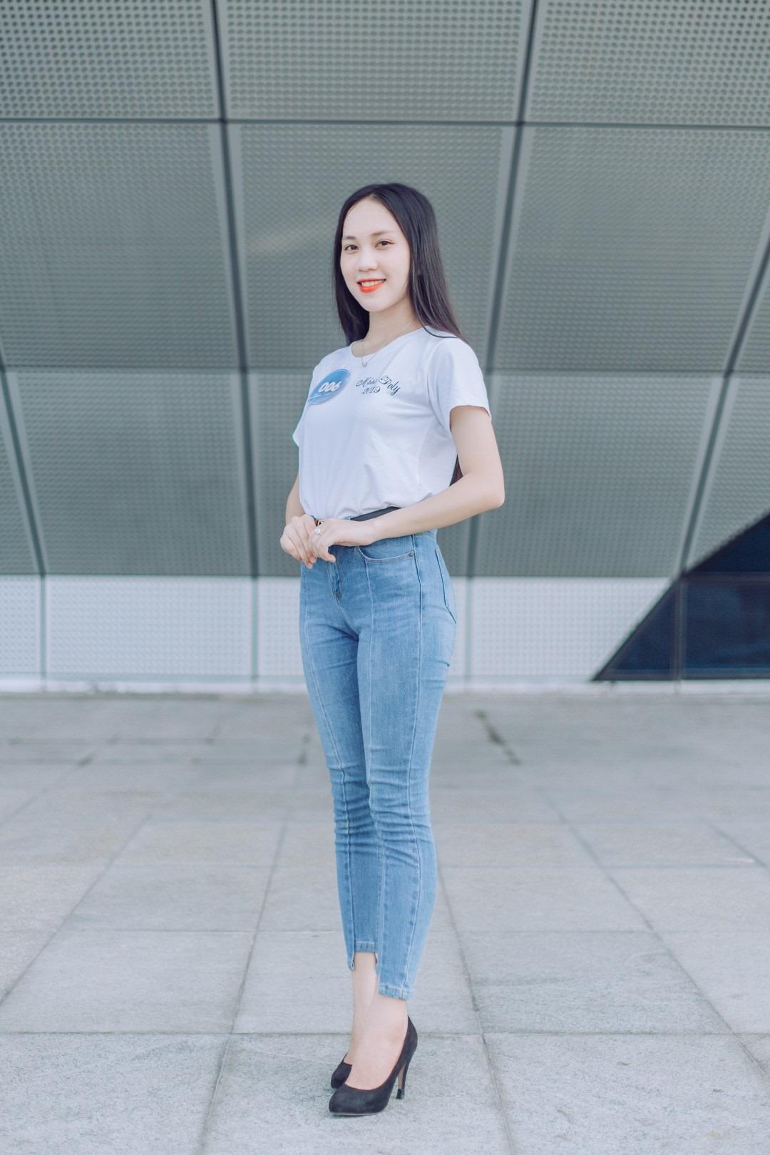 """Ngoại hình """"chuẩn không cần chỉnh"""" của thí sinh Nguyễn Ngọc Ánh, SBD 006."""