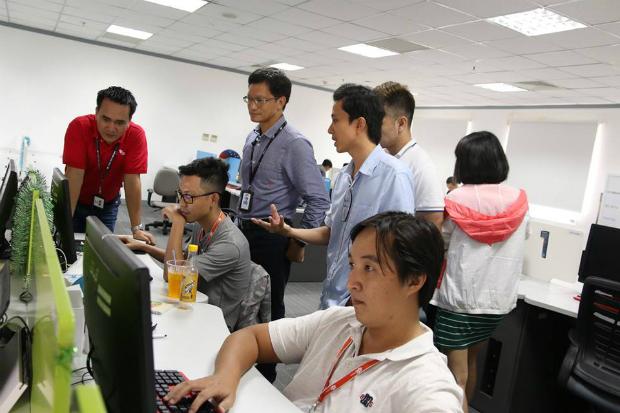 CBNV tập hợp làm bài thi gõ code.