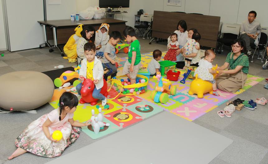 Nhiều trò chơi giao lưu thể hiện trí thông minh và nhạy bén dành cho các bé cũng được BTC đưa vào.
