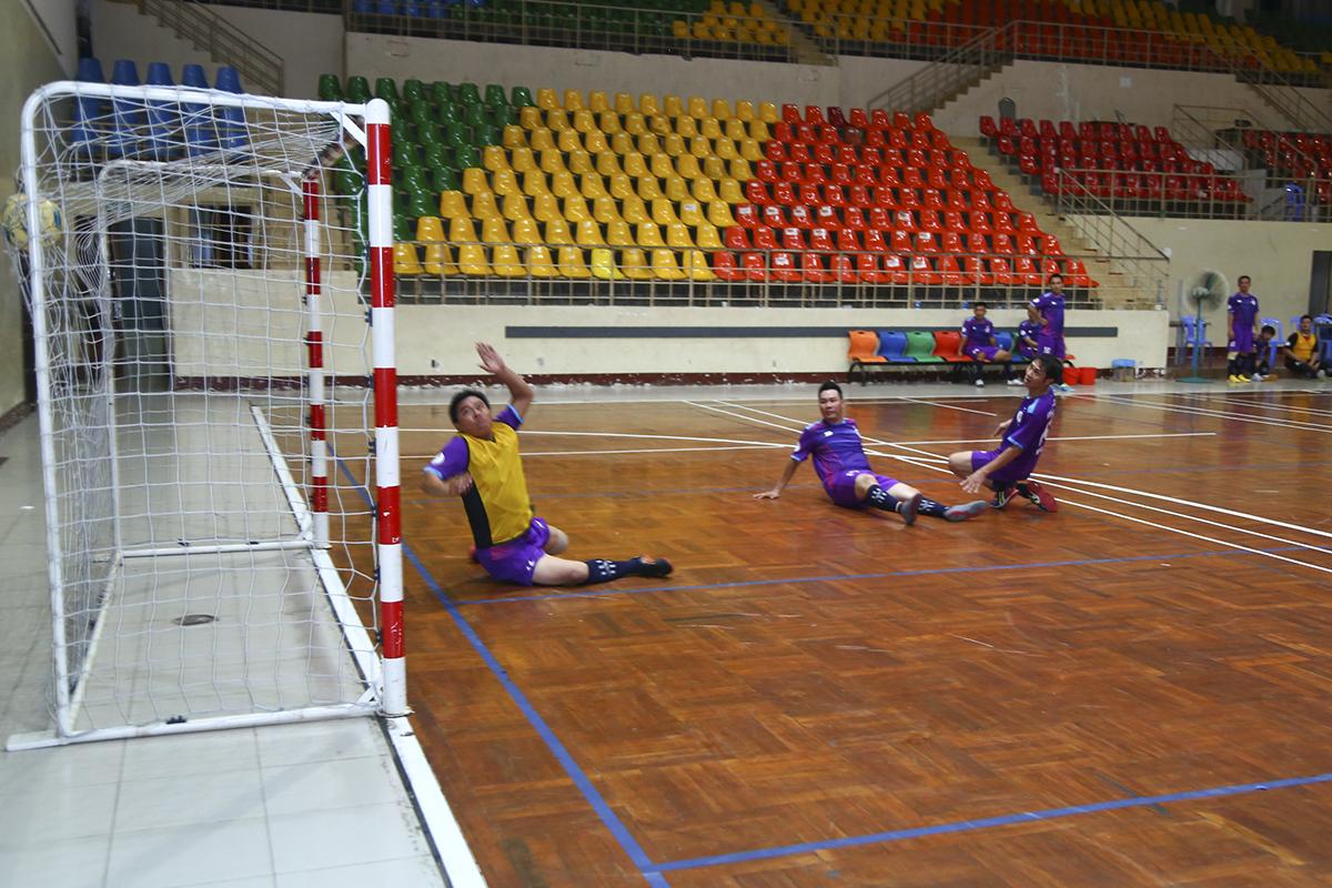 Phải đến phút 37, cầu thủ Huỳnh Tấn Thái mới giúp Pay TV có được bàn danh dự trước khi chính thức trở thành cựu vô địch khi không vượt qua vòng bảng. Với chiến thắng 4-1, Liên quân HO Tân Thuận giành ngôi nhất bảng với 7 điểm và suất đi tiếp vào bán kết.