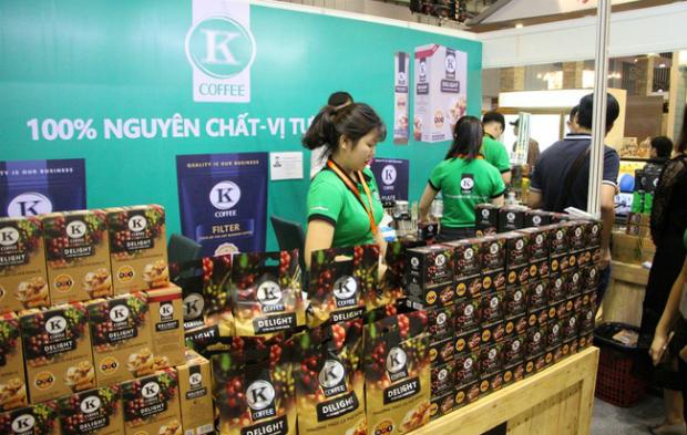 Thương hiệu K-Coffee Delight sẽ dành tặng 100 suất cafe cho người F check-in Sao Chổi sớm nhất.