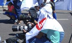 Muôn kiểu tác nghiệp của phóng viên tại VnExpress Marathon