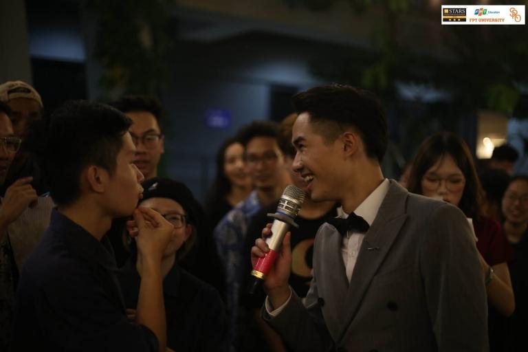 MC Ngọc Thịnh của chương trình là sinh viên Đại học FPT. Gần đây, Ngọc Thịnh vừa ghi dấu ấn khi là một trong hai MC dẫn chương trình Sao Chổi miền Bắc 2019. Đây là chương trình nghệ thuật lớn nhất FPT, quy tụ gần 400 diễn viên và 2.000 khán giả.