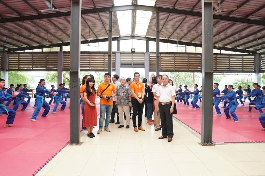 Trong khuôn khổ chuyến công tác, gần 50 trường trải nghiệm môn võ thuật đặc sắc của ĐH FPT - Vovinam.