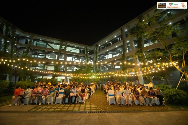 Ngày 12/6, lễ tôn vinh học kỳ Spring 2019 diễn ra trong không gian mở, giữa trung tâm làng phần mềm F-Ville 2. Buổi lễ được tổ chức thường niên, nhằm tôn vinh cá nhân, tập thể có thành tích tốt.