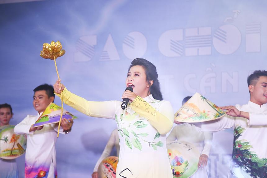 """""""Xinh tươi Việt Nam"""" là ca khúc từng làm nên tên tuổi của nhóm nhạc V-music, giờ đây được cover lại bởi hai giọng ca đầy nội lực của nhà Viễn thông."""