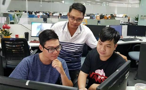 Ba thành viên trong quá trình thực hiện dự án.