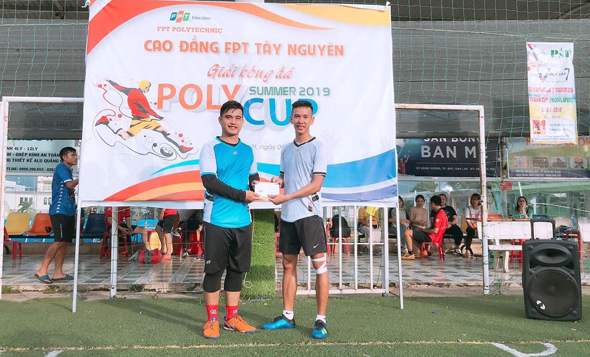 Cầu thủ Nhất Quân được vinh danh ở hạng mục Thủ môn xuất sắc.